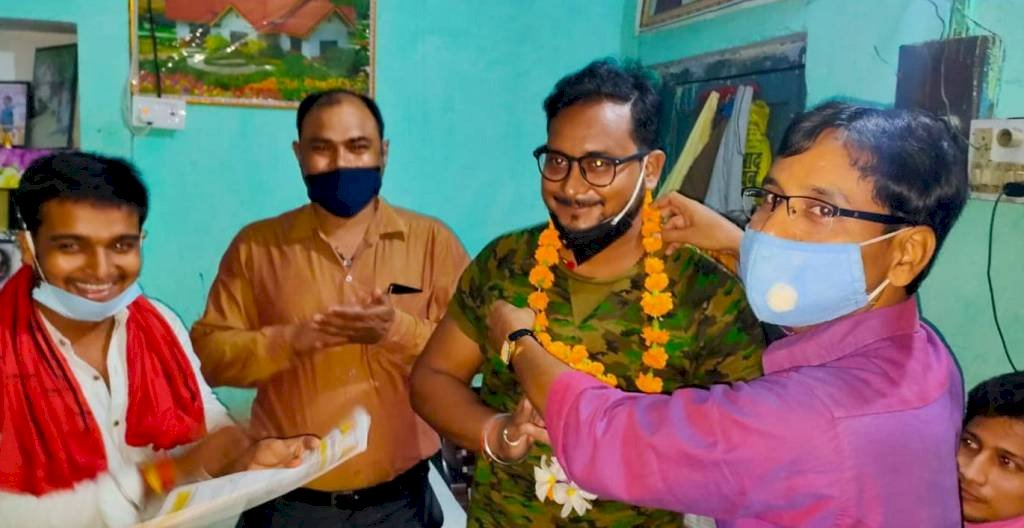 Prasoon Srivastava, Lov Sinha, Tarun Khare