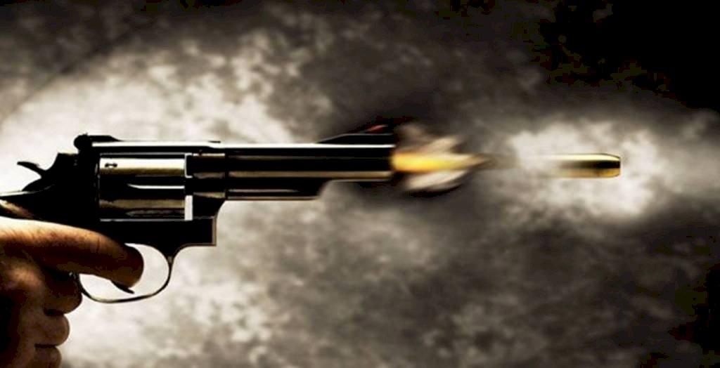 दबंग ने बुजुर्ग अधिवक्ता को गोली मारकर किया घायल