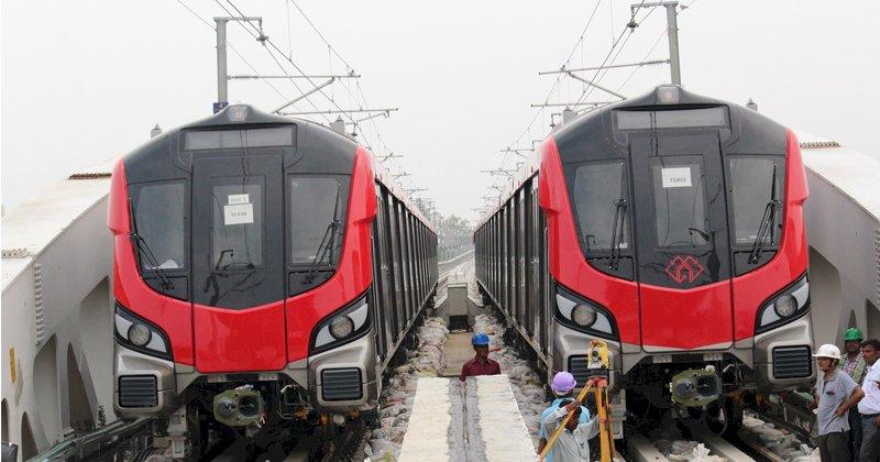 लखनऊ मेट्रो ने यात्रियों को लौटाए नौ मोबाइल और 16 हजार रूपए