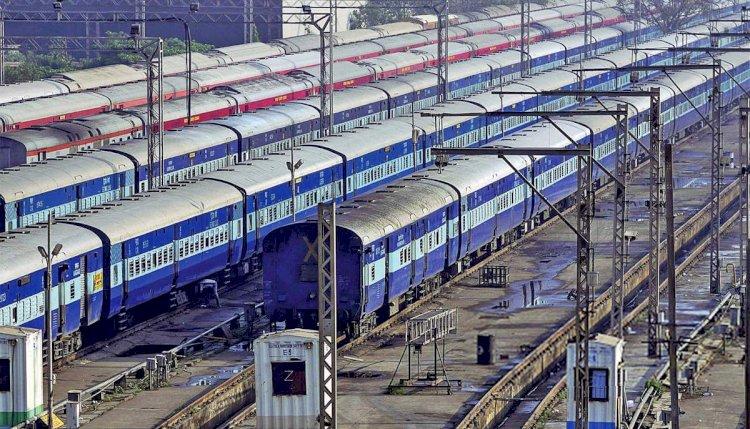 ट्रेन में सफर करने वाले बुन्देलखण्ड वासियों को राहत, इन तीन ट्रेनोें की अवधि बढ़ाई
