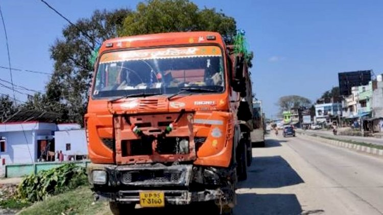 महोबा : कोचिंग जा रहे छात्रों को ट्रक ने मारी टक्कर, दो की मौत, तीन घायल