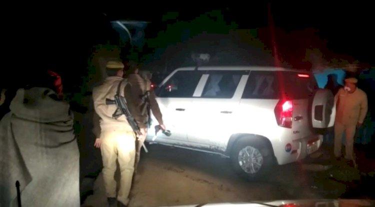 चित्रकूट : पिता को खाना देने जा रही किशोरी समेत दो की कुल्हाड़ी से काट कर हत्या, रेप का भी अंदेशा