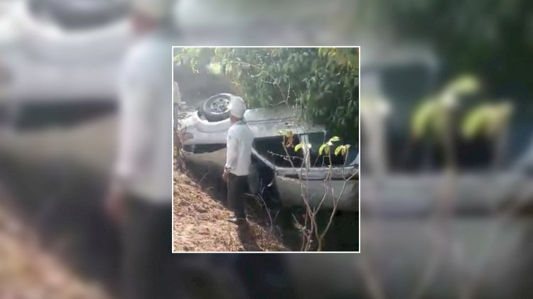 टायर फटने से अनियंत्रित होकर स्कार्पियो गाड़ी पेड़ से टकराकर पलटी, आधा दर्जन घायल