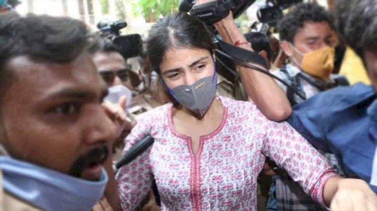 सुशांत सिंह राजपूत केस में NCB ने दाखिल की नई चार्जशीट, आरोपियों में रिया चक्रवर्ती  समेत 33 लोगों के नाम