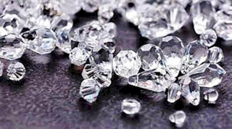 पन्ना में लग रहा है हीरों का मेला, 5 हजार जमा कर खरीद पाएंगे हीरे
