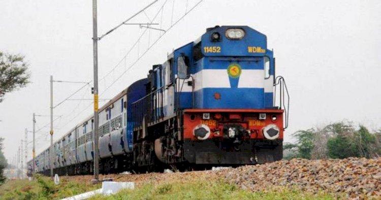 डीआरएम झांसी ने बताया, बुन्देलखण्ड के रेलवे स्टेशनों में क्या चल रहा है