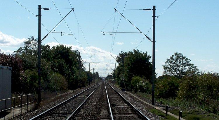 मानिकपुर झांसी रेलवे ट्रैक पर अप्रैल में फिर शुरू होगा दोहरीकरण