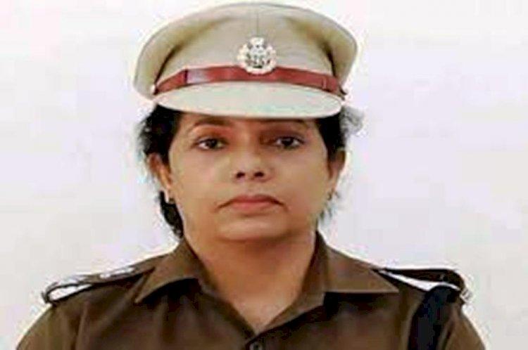 महोबा और झांसी के पुलिस कप्तान का तबादला, सुधा सिंह महोबा एसपी