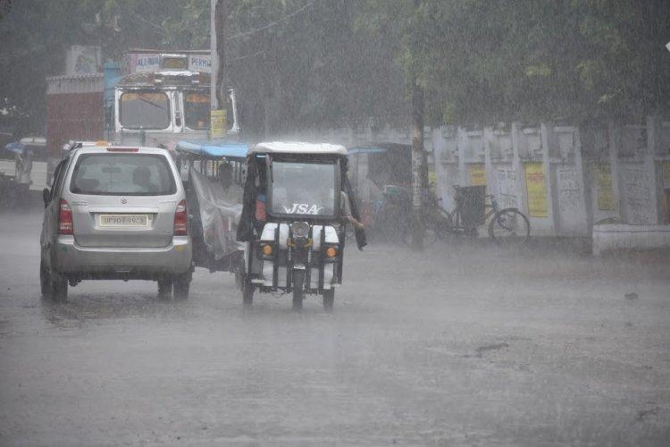 24 से 48 घंटे बाद यूपी में होगी झमाझम बारिश , 6 दिनों तक बना रहेगा मानसून