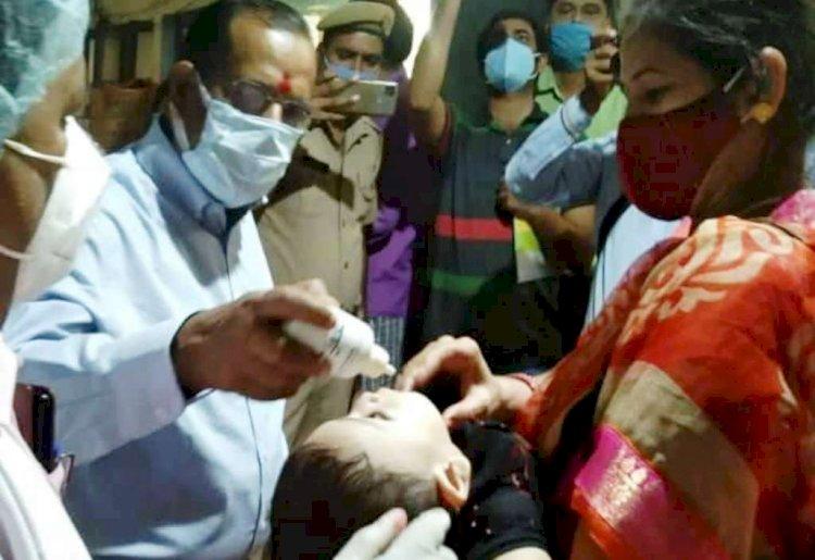 कोरोना की तीसरी लहर से बचाव को, 450 बच्चों का आयुर्वेदिक टीकाकरण