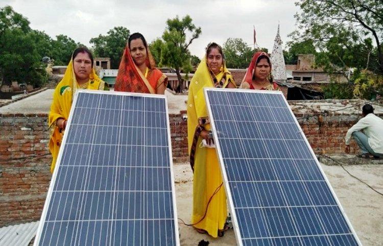 महिलाओं की पहल : सौर ऊर्जा से जगमगाने लगे राष्ट्रपति के परौंख गांव में शौचालय