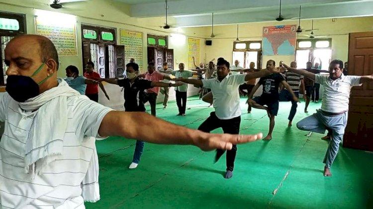 अन्तर-राष्ट्रीय योग दिवस : कोरोना काल में योग ही बना सबका सहारा