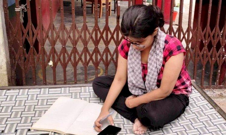 बुंदेलखंड प्रतिभा सम्मान परीक्षा में परीक्षार्थी, bundelkhand pratibha samman