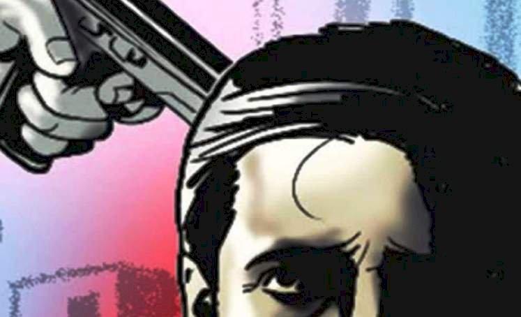 झांसी : बंदूकों की नोक पर ग्राम प्रधान का अपहरण, ग्रामीणों ने एसएसपी कार्यालय पर डेरा डाला