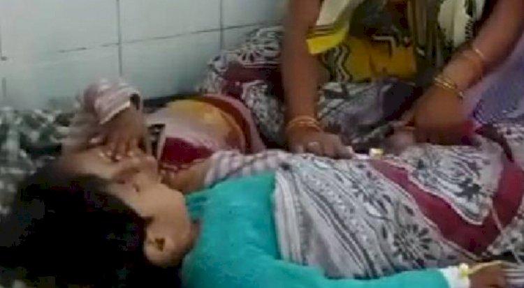 ग्रामीणों ने 140 फिट गहरे कुएं में गिरे, मासूम भाई बहन को जीवित निकाला