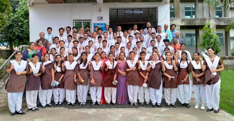 सीबीएसई बोर्ड की दसवीं परीक्षा में बच्चों ने सफलता के परचम लहराए