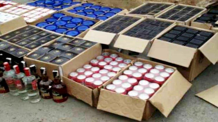 शराब ठेके का ताला तोड़कर शराब की पेटियां व नकदी बटोर ले गए चोर