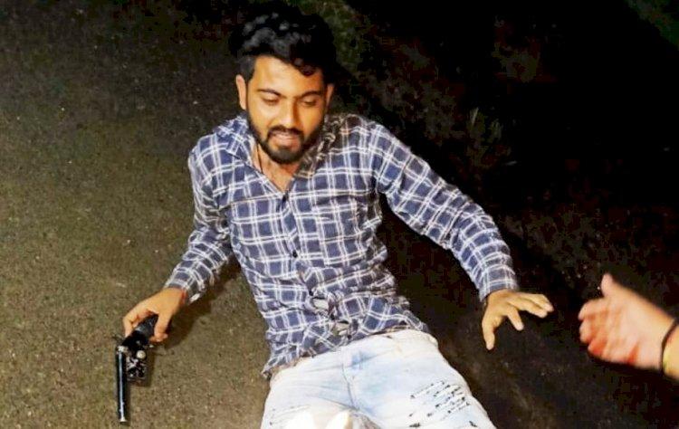 बाँदा : 50 हजार के इनामी बदमाश को पुलिस ने गोली मारकर दबोचा, कानपुर व प्रतापगढ़ पुलिस को  थी तलाश