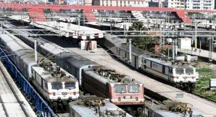 उप्र : काठगोदाम-लखनऊ एक्सप्रेस सहित इन ट्रेनों का एक अक्टूबर से बदलेगा समय, जल्दी देखिये