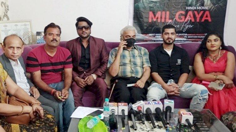 उत्तर प्रदेश में फिल्में बनने से मुम्बई का टिकट हुआ आसान