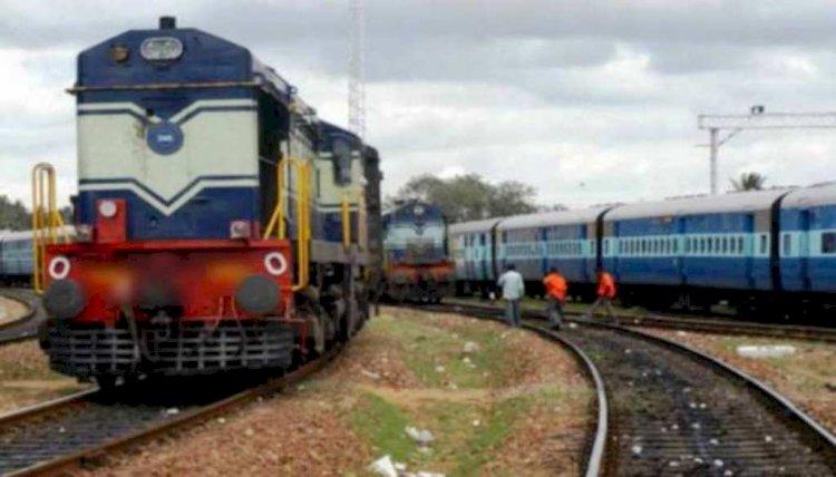 पूजा स्पेशल ट्रेन फाइल फोटो (puja special train file photo)
