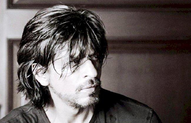 आर्यन खान ड्रग्स केस के बीच वायरल हुई शाहरुख खान पर लिखी कविता