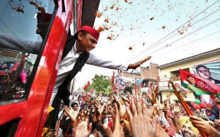 भाजपा के सांसद-विधायक जितवाकर बुंदेलखंड वासियाें तुम्हें क्या मिला : अखिलेश यादव